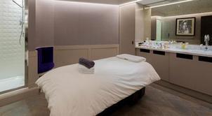 Magarida and Sheena – the luxury massage therapists